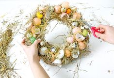 Netradičné veľkonočné vence   Urob si sám Buxus, Grapevine Wreath, Grape Vines, Easter, Wreaths, Vence, Halloween, Image, Home Decor