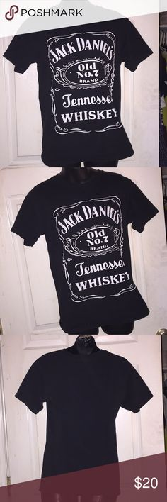 jack Daniels graphic~tee!! 🍻🍻❣❣ who doesn't love Jack Daniels. 😬😬 no flaws or damage only worn twice. 🙂 Vintage Tops Tees - Short Sleeve