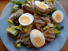 Salad Nicoise - World Food Tour Seared Tuna Salad, Tuna Nicoise Salad, Cobb Salad, Olive Wine, Tuna Steaks, Lettuce Leaves, Those Recipe, Grand Prix, Monaco