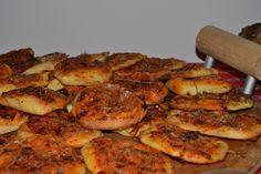 Ecco come si prepara. Sicilian Recipes, Sicilian Food, Pasta Al Pesto, Pizza Dough, I Love Food, Eggplant, Chicken, Cooking, Catania