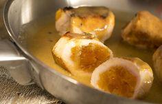 frango recheado com damasco e molho de laranja ,mostarda e creme de leite