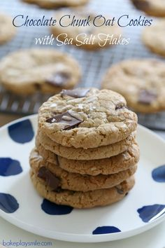 The perfect Chocolate Chunk Oat Cookies sprinkled with sea salt… honestly these are just the BEST cookies you'll ever make! best ever chocolate chip cookies. Lunch Box Recipes, Gourmet Recipes, Sweet Recipes, Baking Recipes, Cookie Recipes, Healthy Recipes, Oat Cookies, Chewy Chocolate Chip Cookies, Biscuit Cookies