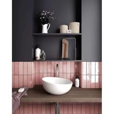 Who else can't get enough of the pink bathroom tiles 😍😍 📷 Bathroom Windows, Wood Bathroom, Grey Bathrooms, Bathroom Colors, Bathroom Flooring, Bathroom Interior, Modern Bathroom, Small Bathroom, Bathroom Ideas