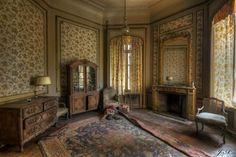 """urbex chateau de la foret  be   Angélique Bailly - Photoblog """"PULSION SCOPIQUE"""" shared Urbexery ..."""