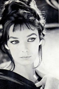 Marie Laforêt The women with the golden eyes Actress, singer Dive in the music and I dive into yours eyes Deeply sad 😔 to. French Movies, French Actress, Timeless Beauty, Vintage Beauty, Old Hollywood, Movie Stars, Actors & Actresses, Black And White, Beautiful