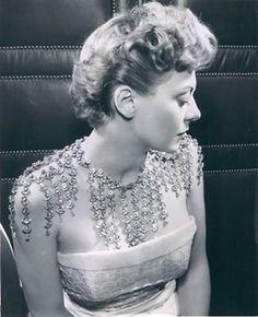 1950s amazing necklace.