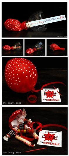 bem mais fácil encher o balão assim!!! DIY Explosive Gift