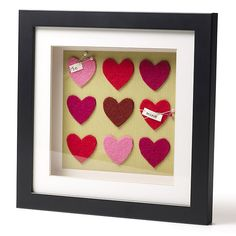 Make something special for the one you love with this pretty heart frame, the perfect gift for Valentine's day!