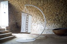 Hanging chair by Concept Suspendu by penelope Stone Interior, Home Interior Design, Interior Decorating, Super Cool Stuff, Tree House Designs, Fantasy House, Gold Diy, Kitchen Flooring, Hanging Chair