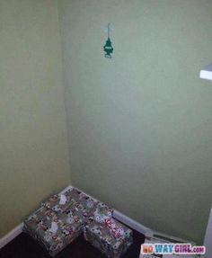 Most Ghetto Christmas Tree Ever! - NoWayGirl  - popculturez.com