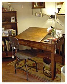 Mesa de dibujo en nuestra tienda Casa de Abastos o, si quieres, a medida!