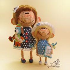 Доброе утро, друзья Второй день солнце, приятность невероятная☀️ Весна скоро! А это у меня две девочки-сестрички и их разноцветный пёс из детства #дубоклёпы_куклы