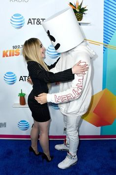 Sabrina Carpenter Photos - Sabrina Carpenter (L) and Marshmello attend iHeartRadio's KIIS FM Wango Tango by AT&T at Banc of California Stadium on June 2018 in Los Angeles, California. - iHeartRadio's KIIS FM Wango Tango By AT&T - Arrivals Brigitte Bardot, Sabrina Carpenter Smile, Sofia Carson, Girl Meets World, Always Smile, Celebs, Celebrities, Beautiful Smile, My Princess