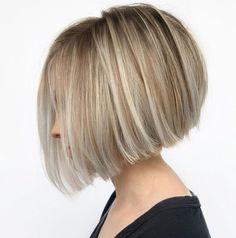 Platinum Blonde Highlights, Platinum Blonde Hair Color, Silver Blonde, Melena Bob, Romantic Hairstyles, Classic Hairstyles, Wedding Hairstyles, Haircut For Thick Hair, Bob Hairstyles For Thick Hair