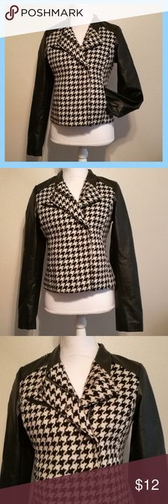 Selling this ✨🍃 Houndstooth Jacket with Faux Leather Trim on Poshmark! My username is: katwoman941. #shopmycloset #poshmark #fashion #shopping #style #forsale #a.n.a #Jackets & Blazers
