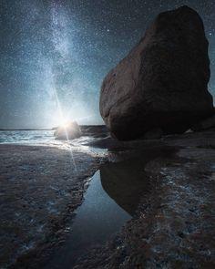 "Ville Heino (@0_ville) on Instagram: ""A balancing boulder. #hubs_united #earth_shotz #DreamWorldImages #hot_shotz #peoplescreative…"""