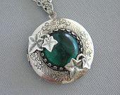 IVY LOCKET, Leaf Locket, Emerald Green, Silver Locket, Antique Locket, Ivy, Leaf Jewelry, Ivy Leaves. $32.00, via Etsy.