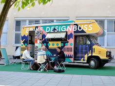 Eriks Designbuss offers graphic design services at a local level in exchange for a non-traditional payment model.