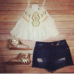 If you are going to a summer festival you NEED this outfit!! Shop online at www.blushandbashfulboutique.com or in store! #shopbandb