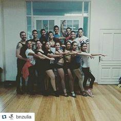 #Repost @bnzulia with @repostapp  Feliz Semana Santa les desea el @bnzulia  maneje con prudencia  tome con conciencia y sobre todo cuide de usted y su familia #SomosDanzayCultura #SomosBNZ #BailaryBaílar #pose #foto #grupo #Clases #SalsaCasinoVenezuela #Salsa #SalsaCasino #DanceSalsa #DanceSalsaCasino