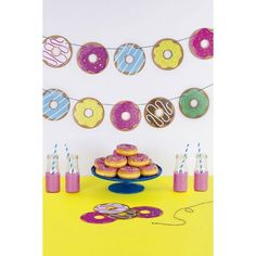 Gezellige slinger met donuts. 15 meter draad met 35 donuts