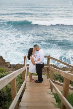 A Happy Engagement Session in Old San Juan and El Morro!