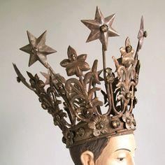 I need this crown!!  People will pay more attention to me if I have this crown!!