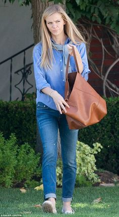 Stylish: The look was given a preppy flourish courtesy of the grey sweater she tied around her neck, while slip-on loafers completed the overall ensemble Tokyo Fashion, All Fashion, Fashion Tips, Brooklyn Decker Hair, Canadian Tuxedo, Street Outfit, Street Clothes, Kendall Jenner Outfits, Victoria Dress