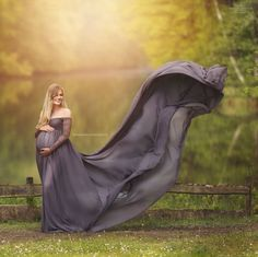 Magnolia Dress Deluxe / Maternity Gown Photography / Maternity Dress…