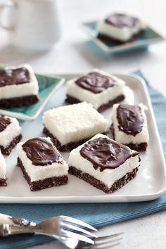 Juditka konyhája: ~ ZABPELYHES BOUNTY SZELET ~ Cheesecake, Food, Kuchen, Cheesecakes, Essen, Meals, Yemek, Cherry Cheesecake Shooters, Eten