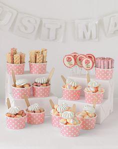 Candy-Bar: Liebe, Herz und Shabby Chic - Dessert, Hochzeitstorte, Süßigkeiten, Candybar, Bar, Candy, Dessert, Nachtisch, buffet, büffet, dessert