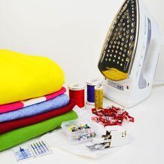 Il tessuto a maglia è fantastico, ma più complicato da lavorare. Queste 10 dritte aiutano a superare i problemi e ti fanno cucire la maglina perfettamente!