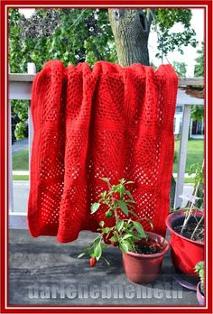 Let It Shine: Candy Apple Red Crocheted Blanket for One #DIY Let It Shine, Candy Apple Red, Crochet Blanket Patterns, Crochet Afghans, Knitted Afghans, Crochet Blankets, Afghan Crochet, Crochet Rug Patterns, Granny Squares