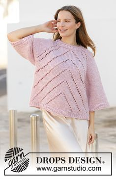 Knitted jumper with raglan in DROPS Eskimo. Piece is knitted top down with lace pattern. Knitting Designs, Knitting Patterns Free, Knit Patterns, Free Knitting, Drops Design, Garnstudio Drops, Paris Model, Magazine Drops, Cheers