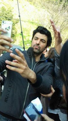Engin Akyürek Turkish Actors, Best Actor, Looking Gorgeous, Sports And Politics, Cool Photos, My Love, Words, Celebrities, Fictional Characters