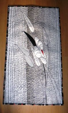 This particular memory quilts can be an inspirational and spectacular idea Small Quilts, Mini Quilts, Wool Applique, Applique Quilts, Whole Cloth Quilts, Flower Quilts, Art Textile, Landscape Quilts, Textiles