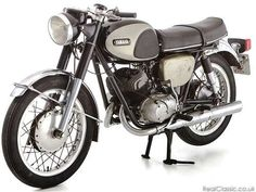 1966 Yamaha YDS-3: tire air was standard two years later...