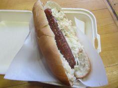 Τρικαλινό hot dog με coleslaw