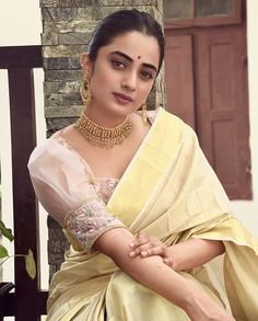 Kerala Saree Blouse Designs, Half Saree Designs, Saree Blouse Neck Designs, Fancy Blouse Designs, Saree Blouse Patterns, Kurta Designs, Stylish Blouse Design, Designer Blouse Patterns, Designer Party Wear Dresses