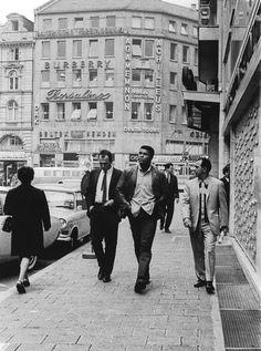 50-photos-rares-de-Mohammed-Ali-cassius-clay-75-ans-16-francfort 50 photos rares de Mohamed Ali pour célébrer son 75eme anniversaire