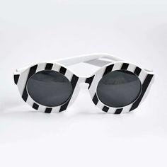 813fb13a4c4d3 114 melhores imagens de Óculos de sol