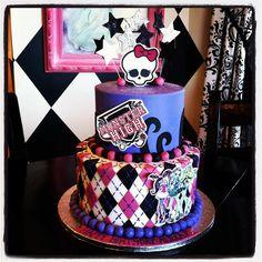 Monster high cake by Designer Cakes By April, via Flickr