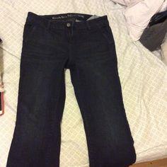 Vera Wang Bootcut Jeans ⭐️ Vera Wang boot cut denim, dark wash #49  Also available in BLACK! Vera Wang Jeans Boot Cut