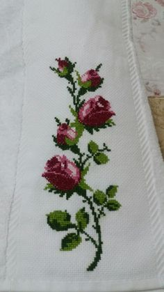 123 Cross Stitch, Cross Stitch Borders, Cross Stitch Flowers, Cross Stitch Designs, Cross Stitching, Cross Stitch Embroidery, Hand Embroidery, Embroidery Designs, Designer Bed Sheets