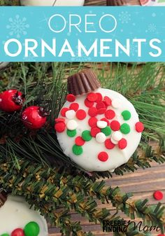 Need an easy and delicious Christmas cookie recipe that is perfect for making with the kids? This Oreo Ornament Cookies recipe transforms plain Oreos into adorable Christmas tree ornaments by simply dipping them into white chocolate, placing a Reese's Pea Easy Christmas Cookie Recipes, Christmas Desserts, All Things Christmas, Christmas Cookies, Holiday Recipes, Christmas Holidays, Christmas Tree, Christmas Baskets, Holiday Snacks