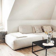 Maike, Kira, Sonja (@shoppisticated) • Instagram-Fotos und -Videos Couch, Videos, Interior, Furniture, Instagram, Home Decor, Settee, Decoration Home, Sofa