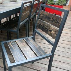 decouvrez la chaise métal bois. cette chaise de salle à manger pour votre table métal de repas est ideale pour un salon design et contemporain www.loftboutik.com