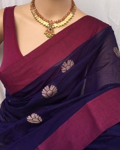 Pure handloom Violet cotton saree with maroon border. butta all over saree. Contrast off white thread work pallu. Comes with running… Cotton Sarees Handloom, Cotton Saree Blouse, Silk Sarees, Indian Sarees, Cotton Saree Designs, Silk Saree Blouse Designs, Trendy Sarees, Stylish Sarees, Navy Blue Saree
