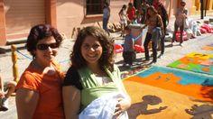 La famille d'Amélie et de Colette de Granby s'est élargie jusqu'au Honduras avec Mer et Monde! Quand Amélie, qui venait d'accepter le poste de coordonnatrice de Mer et Monde au Honduras, apprit qu'elle était enceinte, c'est Colette qui l'a encouragée à poursuivre son rêve. Que ce soit au Québec ou au Honduras, elle serait présente pour l'arrivée de son petit-fils! Colette a ainsi collaboré à la mission de Mer et Monde en appuyant les nouveaux parents et en accueillant des groupes de…