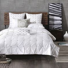 Update your space with the INK+IVY Masie Duvet Cover Set. This 200 thread count white comforter features charcoal grey, elastic embroidery details for a tufted look on the top of bed. White Duvet Covers, Duvet Cover Sets, King Comforter, Queen Duvet, Pottery Barn, Zen, Diy Home, Home Decor, Shabby